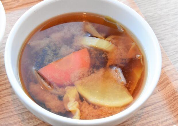 六本木『ukafe』_お味噌汁