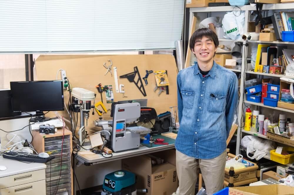 17歳で大学へ飛び入学した現役千葉大生に聞く 「しゃべらないロボットが僕に教えてくれたこと」
