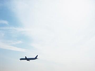 成田空港内 (1)たこ焼き「たこぼん」 (2)エルプラザのアルバイト情報