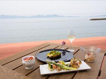 海のレストランのアルバイト情報