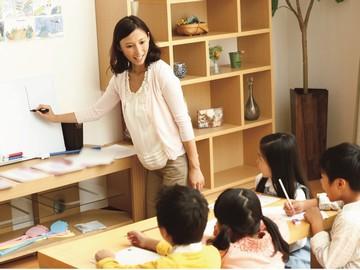 <★女性活躍中★>ご自宅で英語を教える先生始めませんか?英語指導が未経験,ブランクのある方もOK