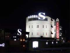 (A)HOTEL S (B)HOTEL W STYLE