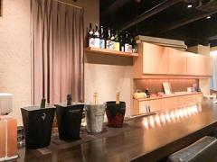 シャンパン・ワインBAR eclat(エクラ)